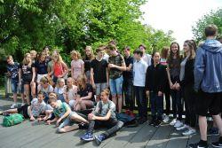 SchülerInnen des Twents Carmel College zu Besuch.