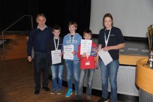 Das Siegerteam v.r.n.l.: Emma Große Lögten, Andreas Termath, Benjamin Strathmann, Lukas Kües.