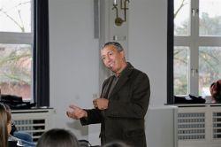 Lesung mit Azouz Begag am Gymnasium Nordhorn: